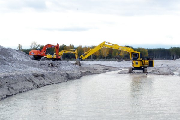 Murlis - Pordenone – Italy<br>Open-cut crossing of the Medusa river for